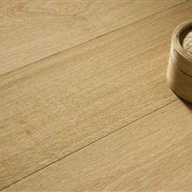 Hosszú padlóburkolatok óriási nappalikhoz