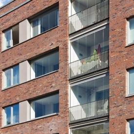 Hőszigetelt és hőszigetelés nélküli erkélybeépítés, erkélyüvegezés